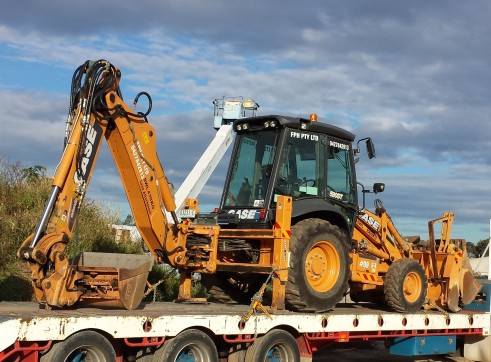2012 CASE 590ST Backhoe  4