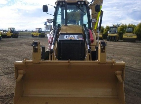 2012 CAT 432F Backhoe 3