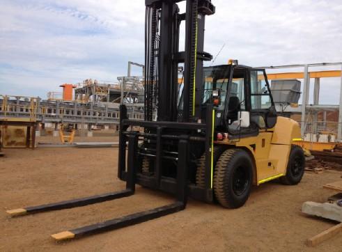 2012 Catapiller 16,000 kg forklift 1