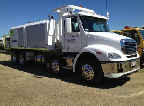2012 Freightliner 8x4 Service Truck 1