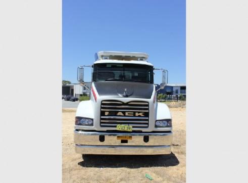 2012 Mack Metroliner ST508-3 6x4 Service Truck (H7060) 3