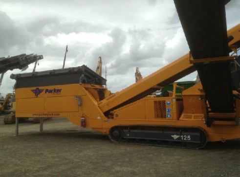 2012 Parker Deck Crawler Screening Plant 2