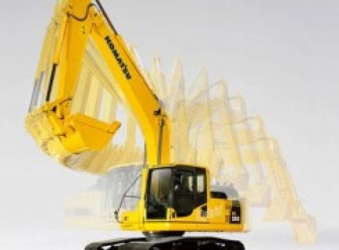 2013 22t KOMATSU PC200LC-8 Excavator