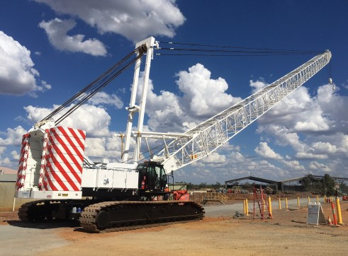 2013 250T Kobelco Crawler Crane 1