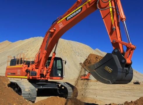 2013 47T Hitachi ZX470 Excavator 1