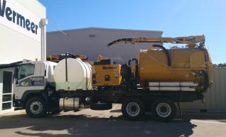 2013 8000 l Vermeer Vacuum excavator on Isuzu fvz 1400 truck  1