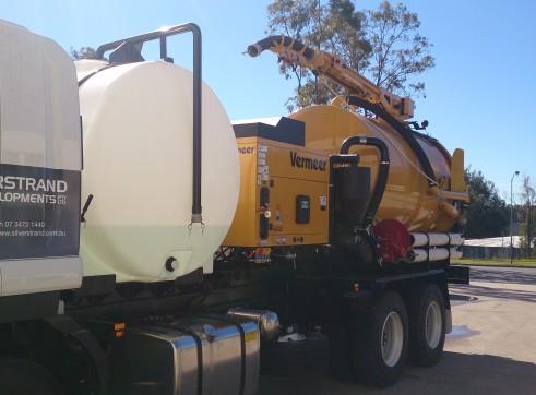 2013 8000 l Vermeer Vacuum excavator on Isuzu fvz 1400 truck  3