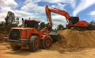 2013 Doosan DX255LC 25t Excavator 1