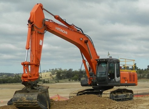 2013 Hitachi 33/35T - ZX330/350LCHs WET/DRY HIRE-4 AVAILABLE 1
