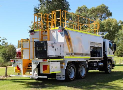2013 ISUZU FVZ1400 14,000L Diesel Fuel Truck 2