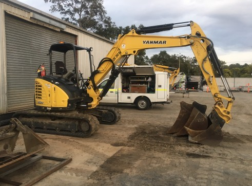 2015/2017 5.5T Yanmar Excavator 2