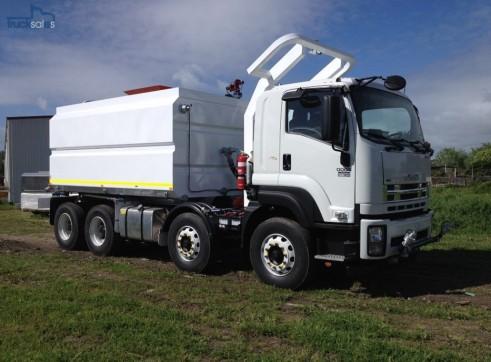2016 Isuzu FYH2000 8x4 New Civil Spec Water Truck  1