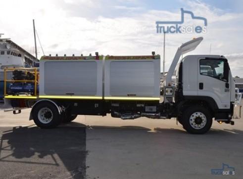 2017 Isuzu FVD1000 4x2 Fitters Truck 7 x 400Lt Tanks & Open Toolbox  1