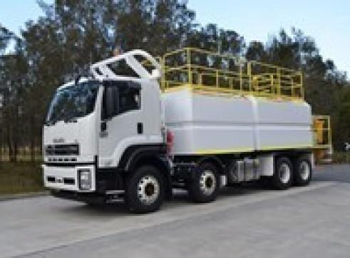 2017 Isuzu FYH 2000 8x4 Service Truck 9,000Lt Diesel & 7 x 700Lt Oil 1