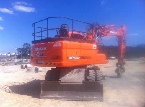 20T Wheeled Excavator 2