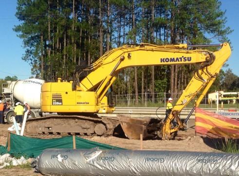 22 Tonne Excavator (PC220-US) 1