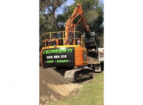 23.5T Doosan Excavator w/FlipScreen 3
