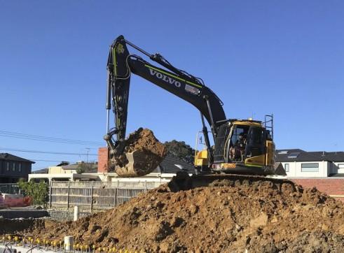 23.5T Volvo ECR235CL Zero Swing Excavator