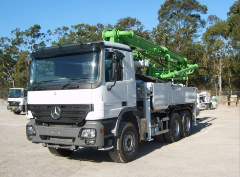 24m Truck Mounted Concrete Pump with 4 Section ... 1