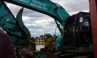 24T Kobelco Excavator w/mulching head 1