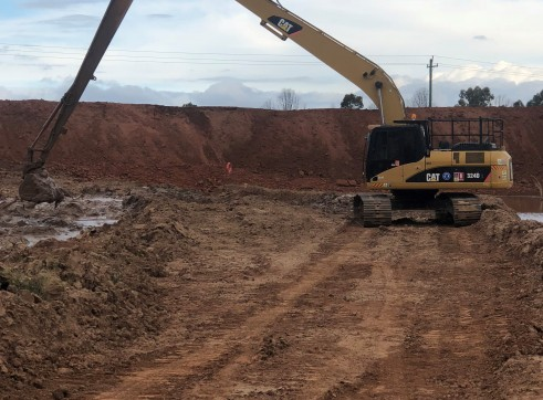 24 T  18 METER Long reach Excavator  1