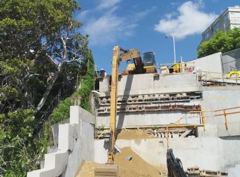 24 T  18 METER Long reach Excavator  3