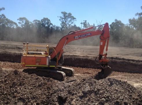 24T ZX240LC Hitachi Excavator 2