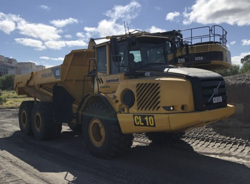 25T Artic Dump Trucks 2