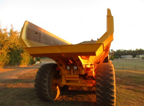 25T Cat 725 Dump truck Moxy for dry hire Available NOW 2