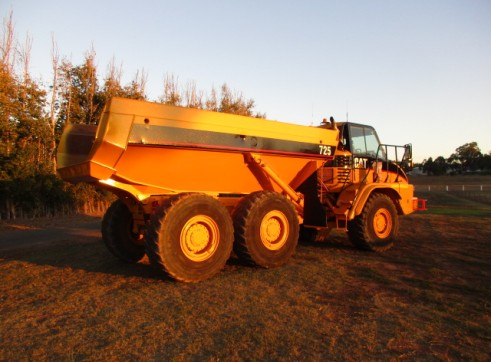 25T Cat 725 Dump truck Moxy for dry hire Available NOW 3
