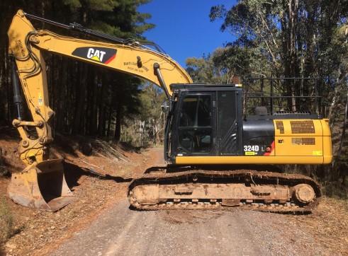25T Caterpillar 324DL Excavator 1