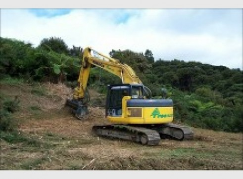 25T Excavator w/Groomer or Tree Grab 1