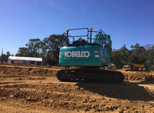 25T Kobelco Excavator