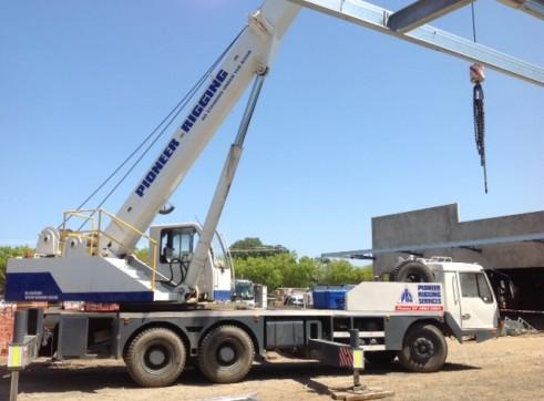 25t Mobile Hydraulic Slew Crane 1