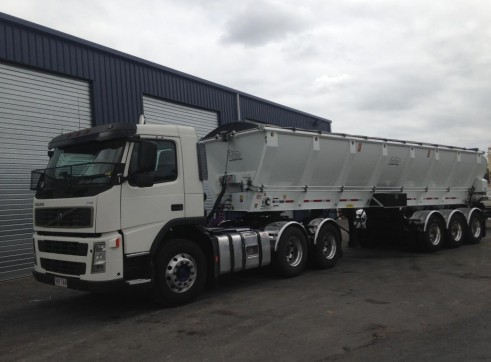 26.5 Tonne Live Bottom Semi-trailer 1
