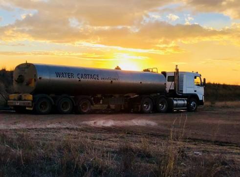 28,000L Semi Water Truck 4