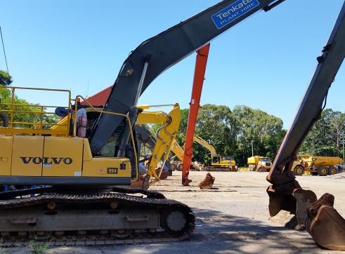 28T Volvo EC240CL Long Reach Excavator - 18.5m reach