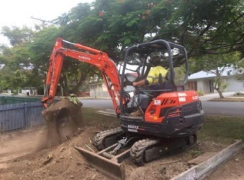 3-4t Combo (Excavator, Skidsteer & Truck) 2