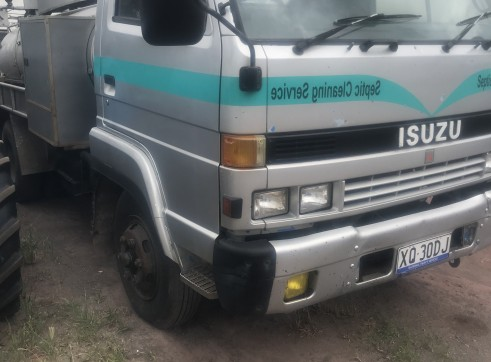 3,700L Mini Vacuum Truck 2
