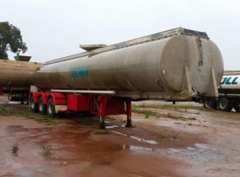 3 x 30,000L Semi Water Trucks 2