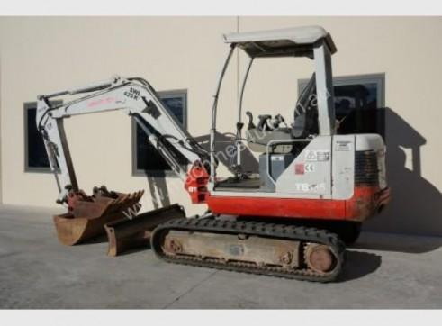 3.5t Excavator + Bobcat 1