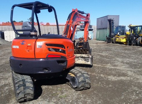 3.5T KUBOTA  Excavator open or aircab 2