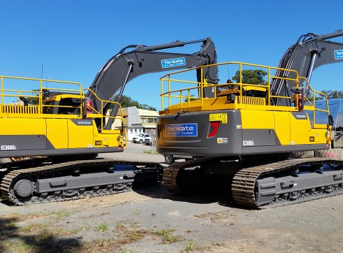 30 T Excavator Volvo EC300DL - 2 Available 2