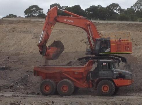 30 - 40  Tonne Articulated Dump Trucks 1