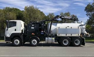 3000-10,000L Vacuum Excavation Trucks 1