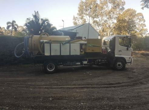 3000L Vacuum Excavation Truck 4