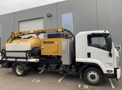 3000L Vermeer Vac Truck with Remote control top boom 1
