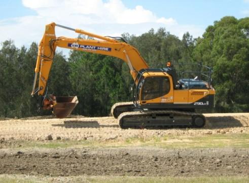30T Excavator full bucket range, hammer, full mine spec 1