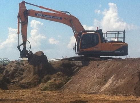 30T Excavator full bucket range, hammer, full mine spec 2