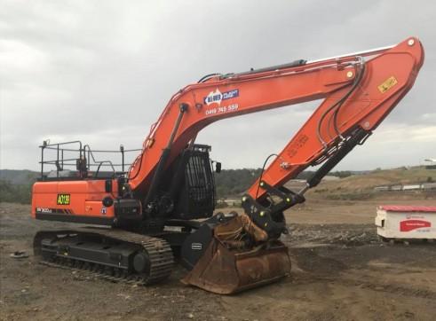 30T Excavator full bucket range, hammer, full mine spec 3